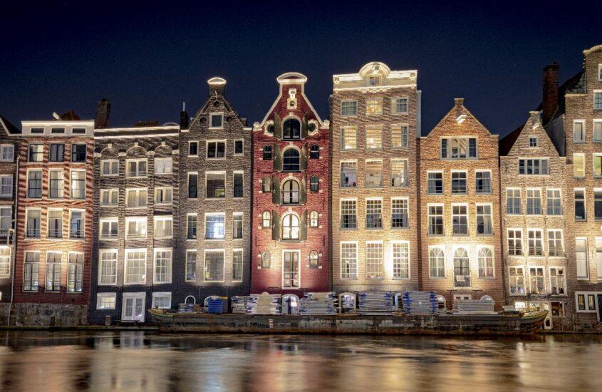 Amsterdam – un oraș fascinant